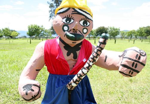 Santiago Robles, Estado Estado Fallido Estallido, Construcción de piñatas, Construction, Piñata, Enanos, Blancanieves, Snow White, Jardín 4