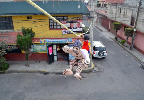 Santiago Robles, Estado Estado Fallido Estallido, Acción Catártica-Colectiva, La Cebada, Acción, Performance, Acción Colectiva, Arte Acción, Action 2