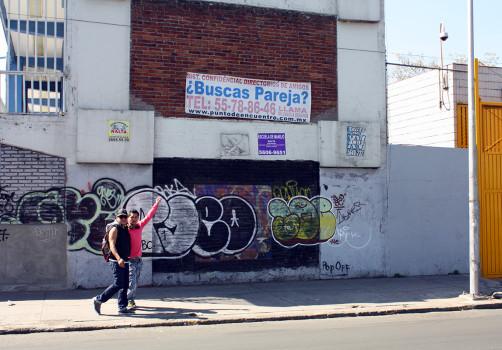 Santiago Robles, Pop Off, Aparición Repentina, Intervención Urbana, Intervención Pictórica, Acción colaborativa, Pintura, Painting, Interventionism, Ultramarinos finos 4